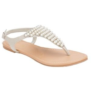 c2d59f8b8e32c2 Shoes - STUDS THONG FLAT SANDAL WITH BUCKLE.